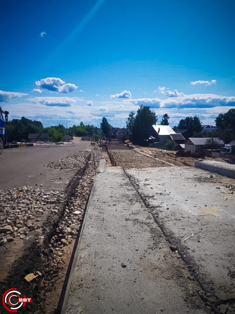 Путепровод через ОЖД в Вышнем Волочке: на мосту заливают тротуары