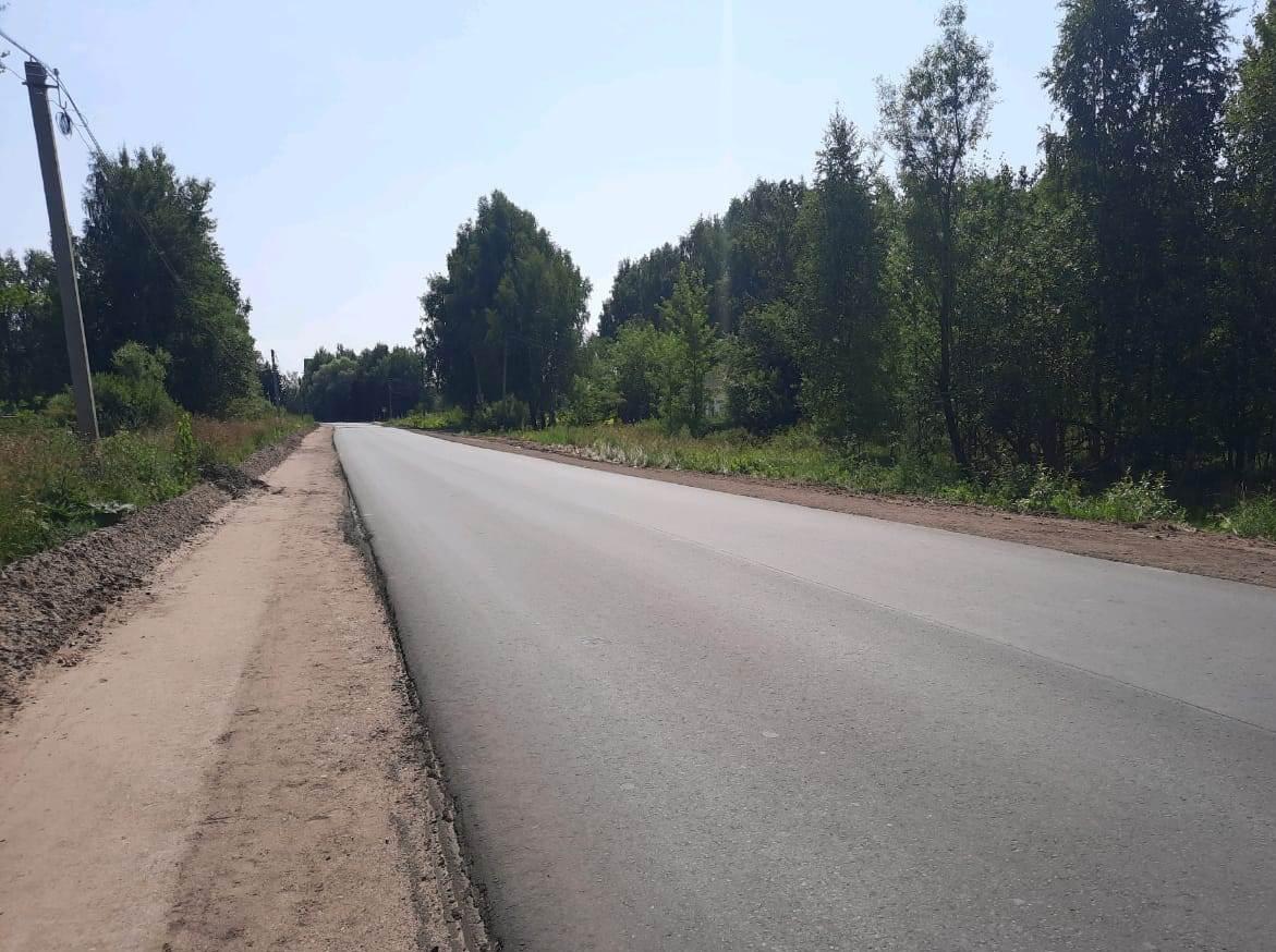 Новое асфальтобетонное покрытие уложили на автодороге Дубна - Кимры – Горицы в Тверской области