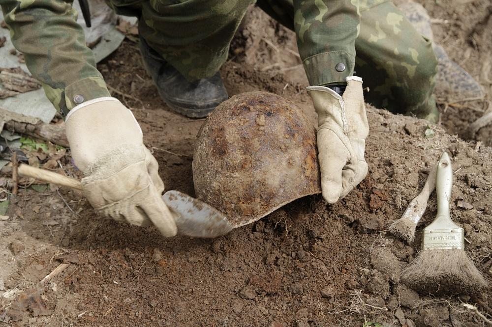 Больше 20 лет поисковики искали родню солдата, погибшего в Тверской области