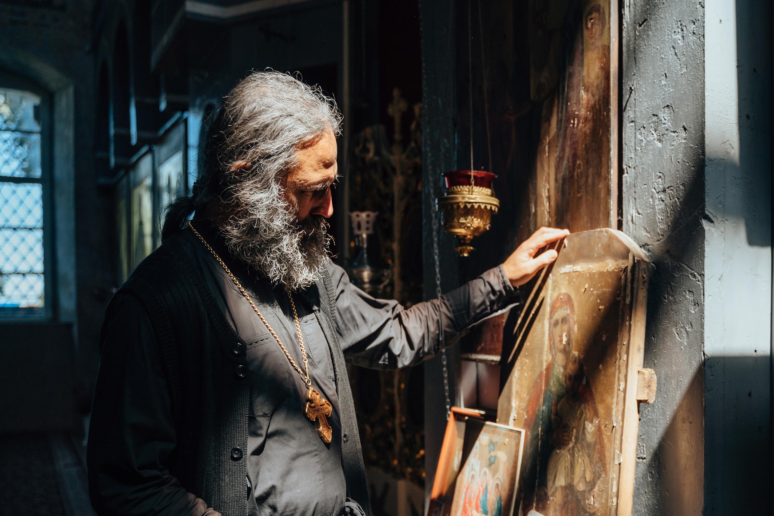 Васильевский аист: как возрождался один из старейших приходов под Тверью