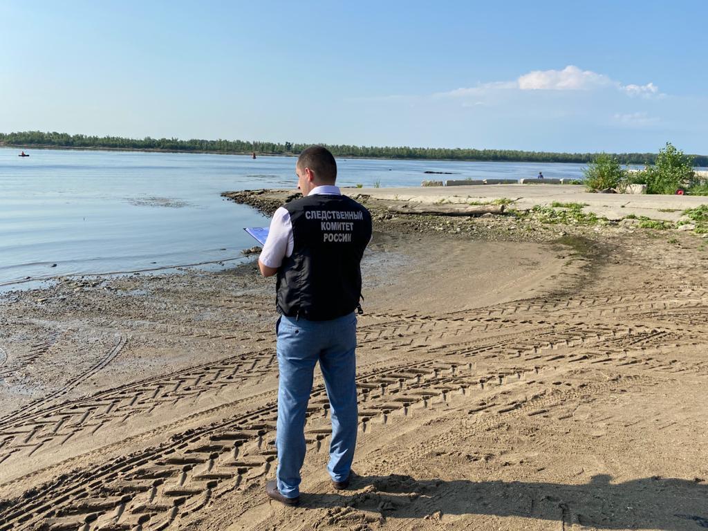 На берегу реки в Тверской области нашли тело мужчины