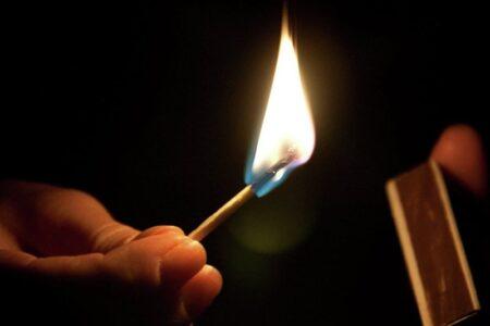Жительница Твери, которую сожитель облил горючей жидкостью и поджег, скончалась в больнице