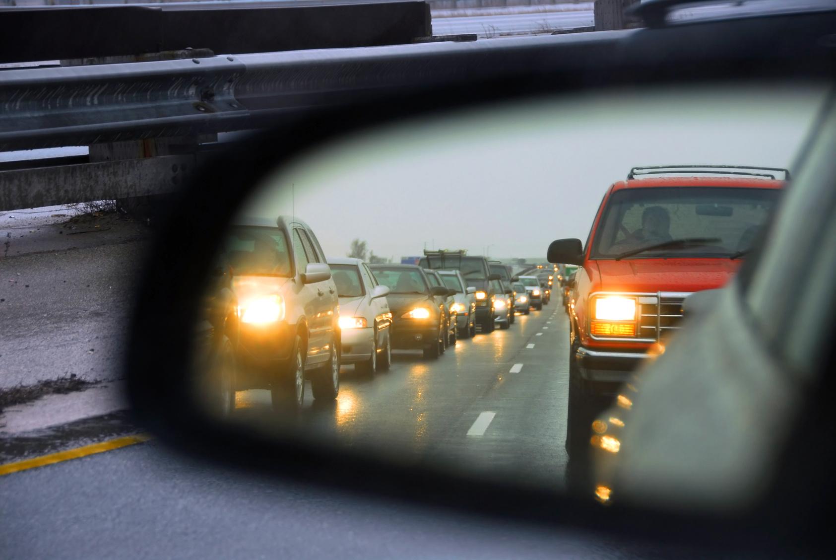 В Твери дорожные камеры будут штрафовать водителей за выключенные фары