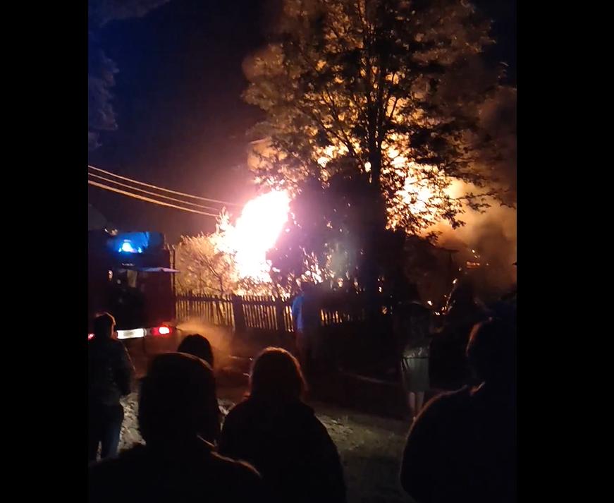 В Тверской области ночью тушили крупный пожар