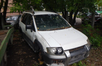 Житель Твери хотел украсть сломанную машину с помощью эвакуатора