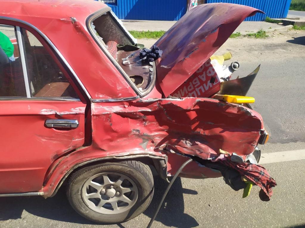 Два человека пострадали в серьёзном ДТП в Твери