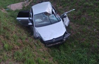 Мужчина уснул за рулем в Тверской области и врезался в фуру