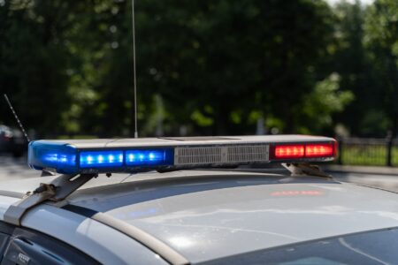 В Тверской области фура врезалась в Chevrolet, двое пострадали