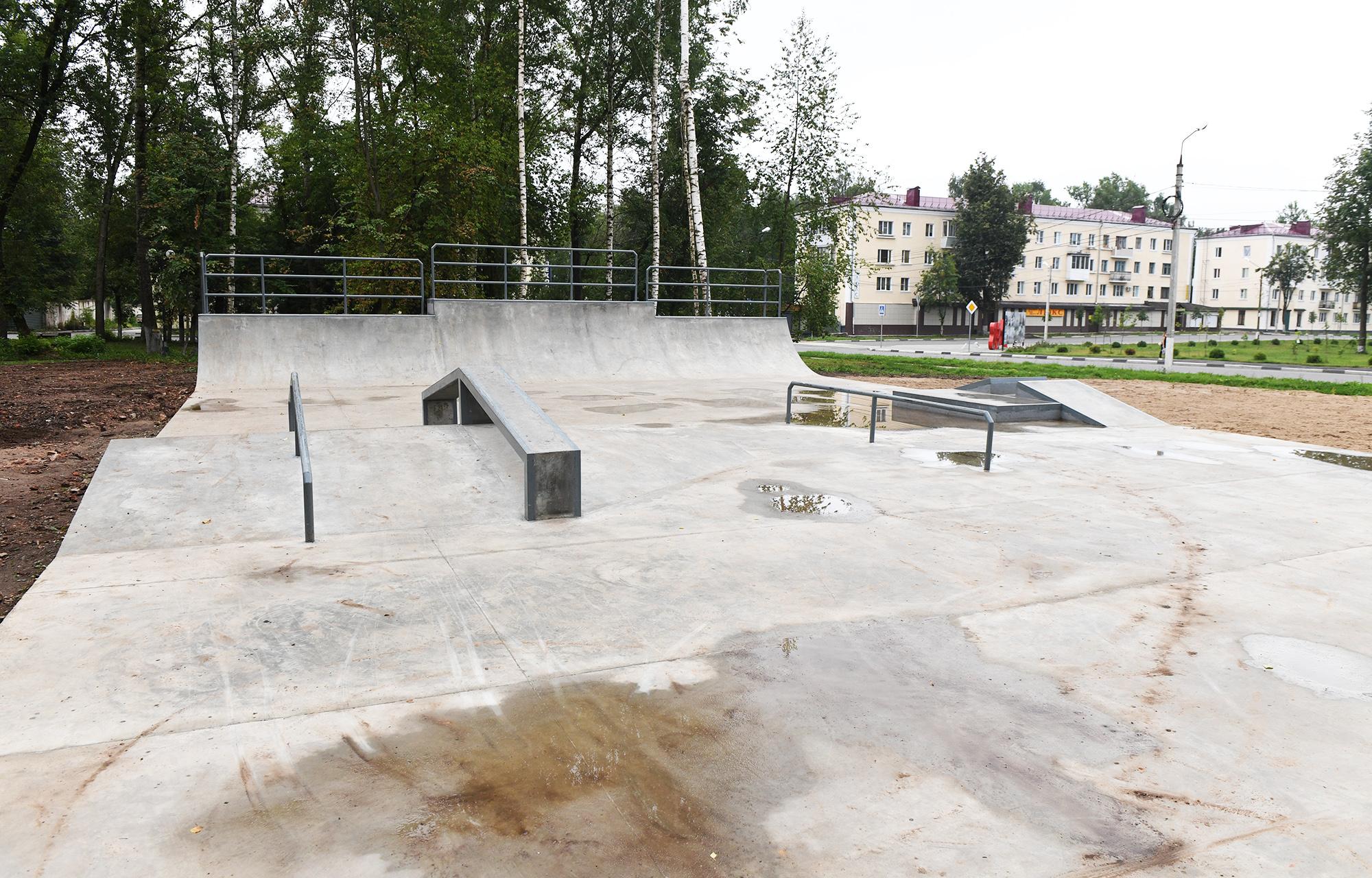 До 1 сентября в Ржеве Тверской области полностью благоустроят скейт-парк