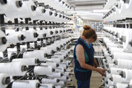 Игорь Руденя посетил производство медицинских изделий, поставляемых в больницы Тверской области