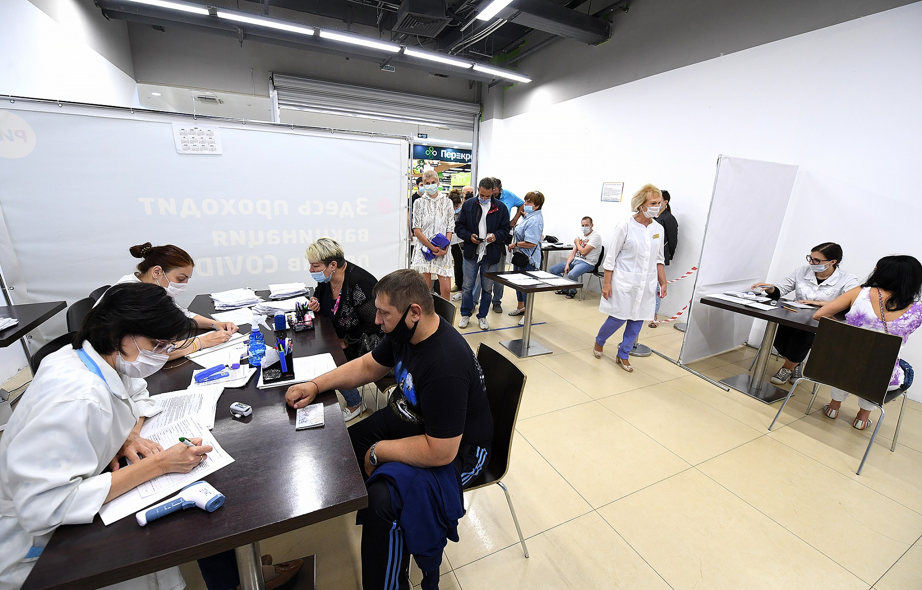 Востребованные у жителей Тверской области пункты вакцинации усилят медиками