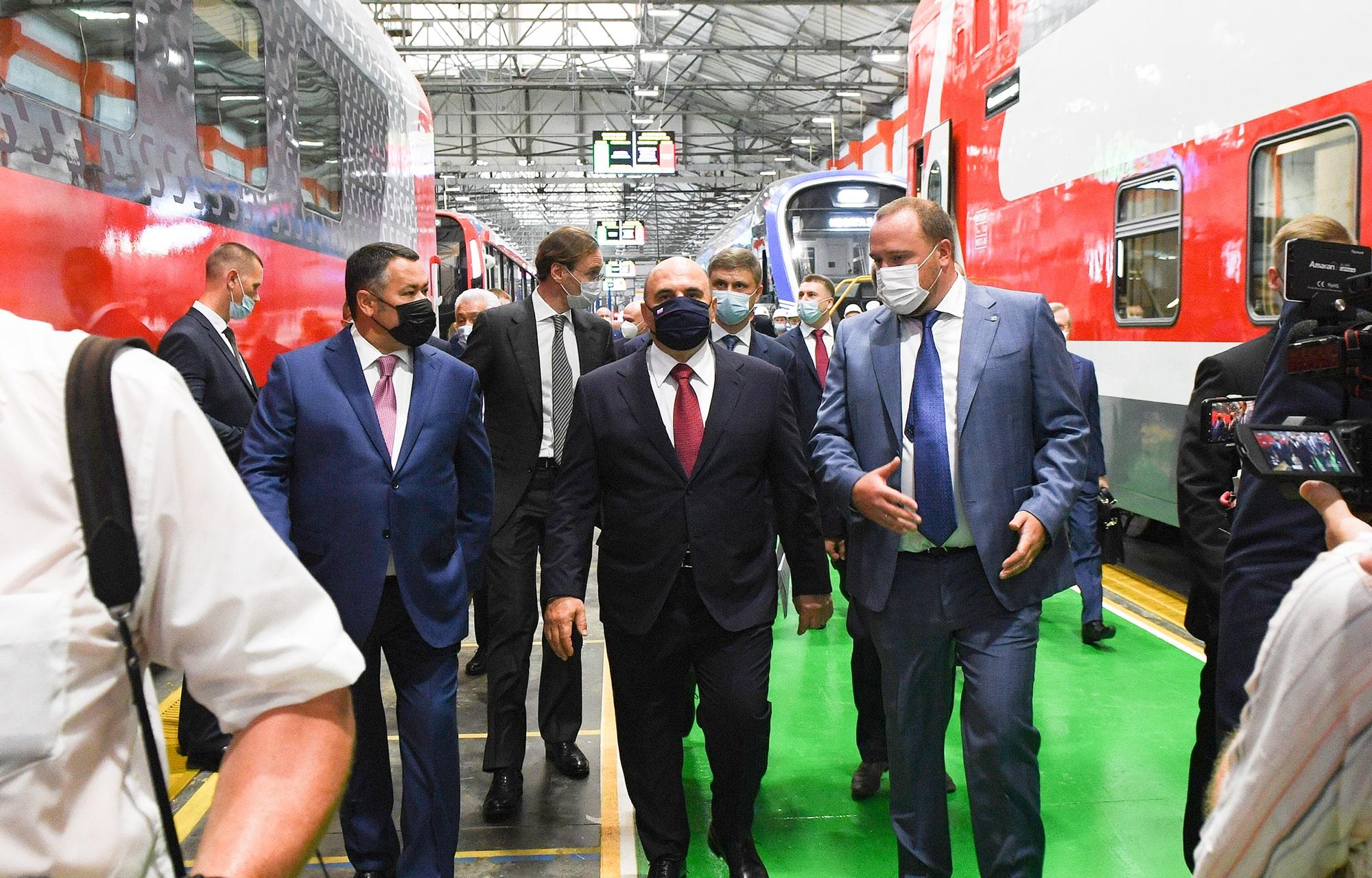Михаилу Мишустину и Игорю Рудене показали новейшие разработки Тверского вагонзавода