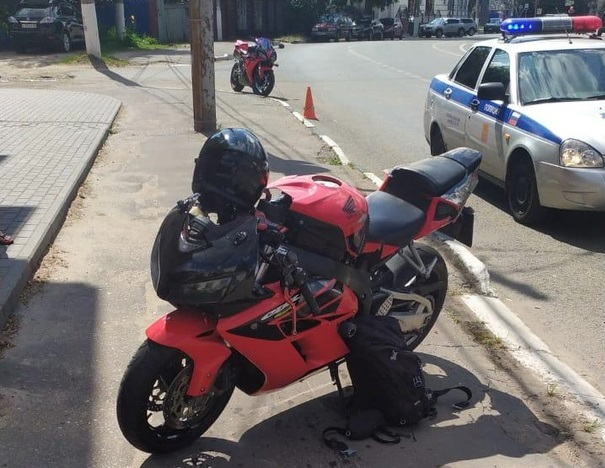 Мотоциклист получил множественные травмы в ДТП в Твери