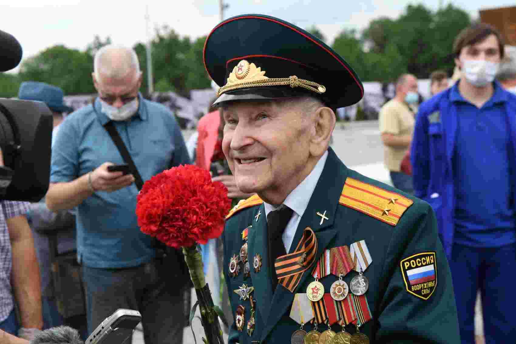 Тверской ветеран Иван Кладкевич посетил Ржевский мемориал Советскому солдату