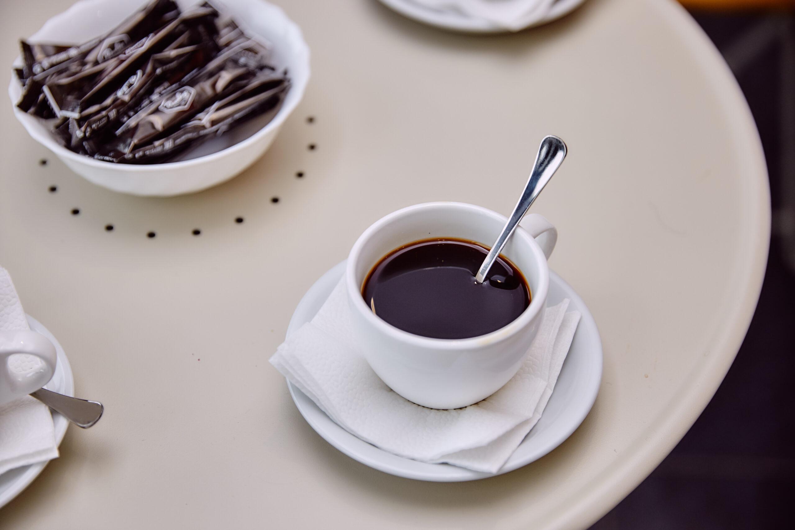 Стало известно, сколько жители Тверской области тратят на обеды в кафе