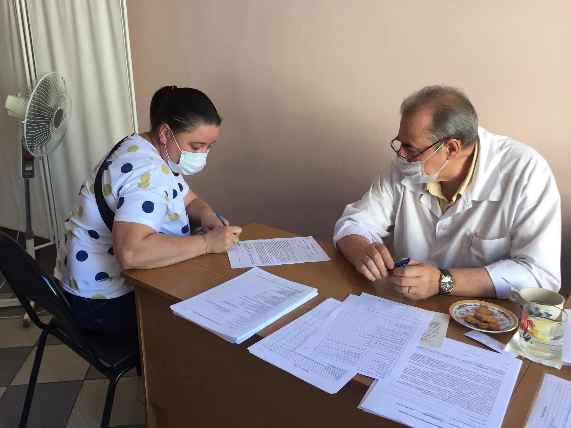 В Твери сотрудники Почты России продолжают вакцинироваться от COVID-19 прямо на рабочем месте