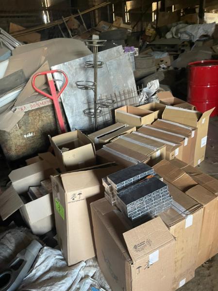 Больше 10 тысяч пачек контрафактных сигарет нашли у тверского предпринимателя