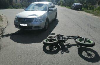 В Тверской области парень на «Ниссане» сбил велосипедиста