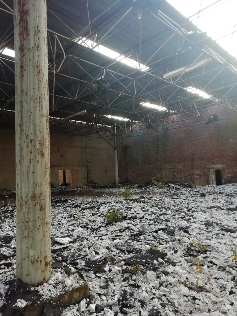 15-летний подросток упал во время демонтажа крыши заброшенного здания в Тверской области
