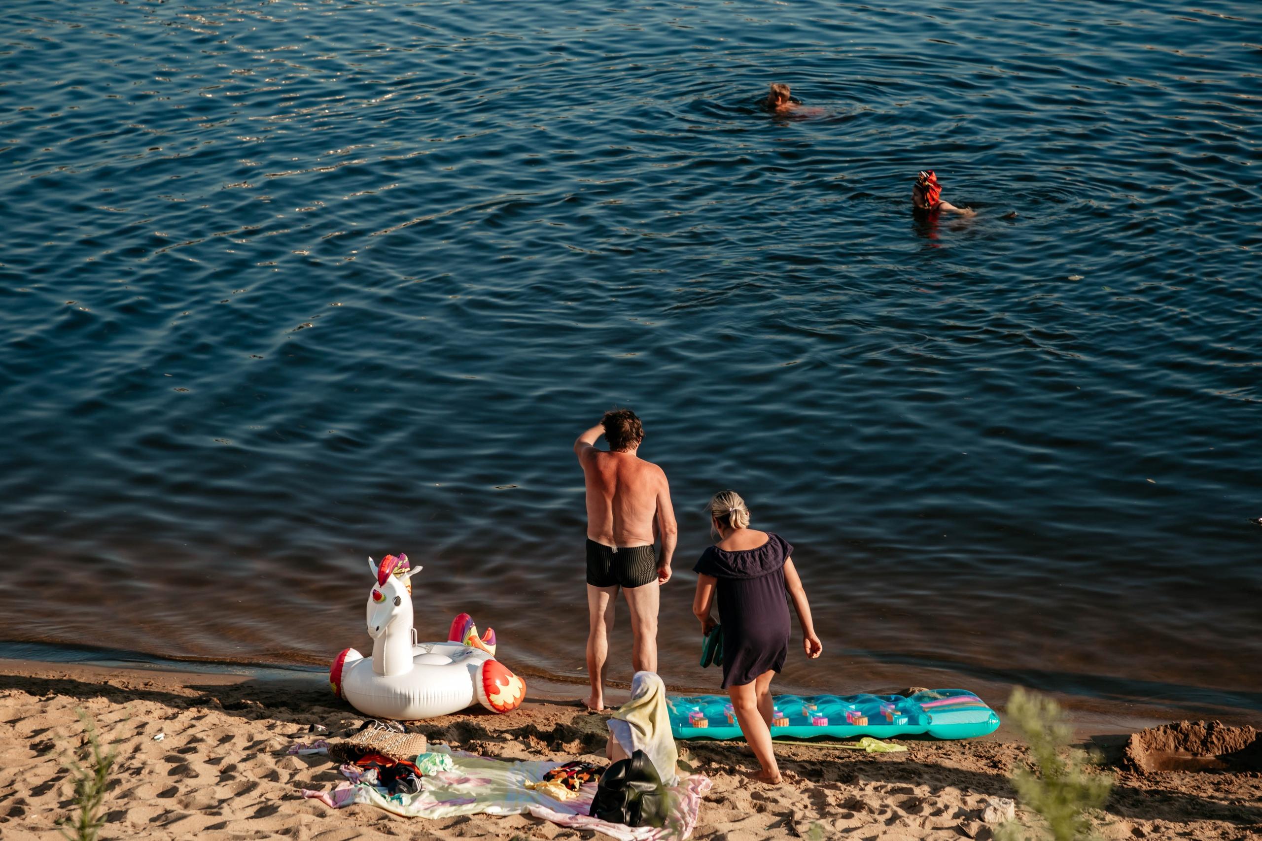 На пляжах Тверской области активно воруют мобильные телефоны