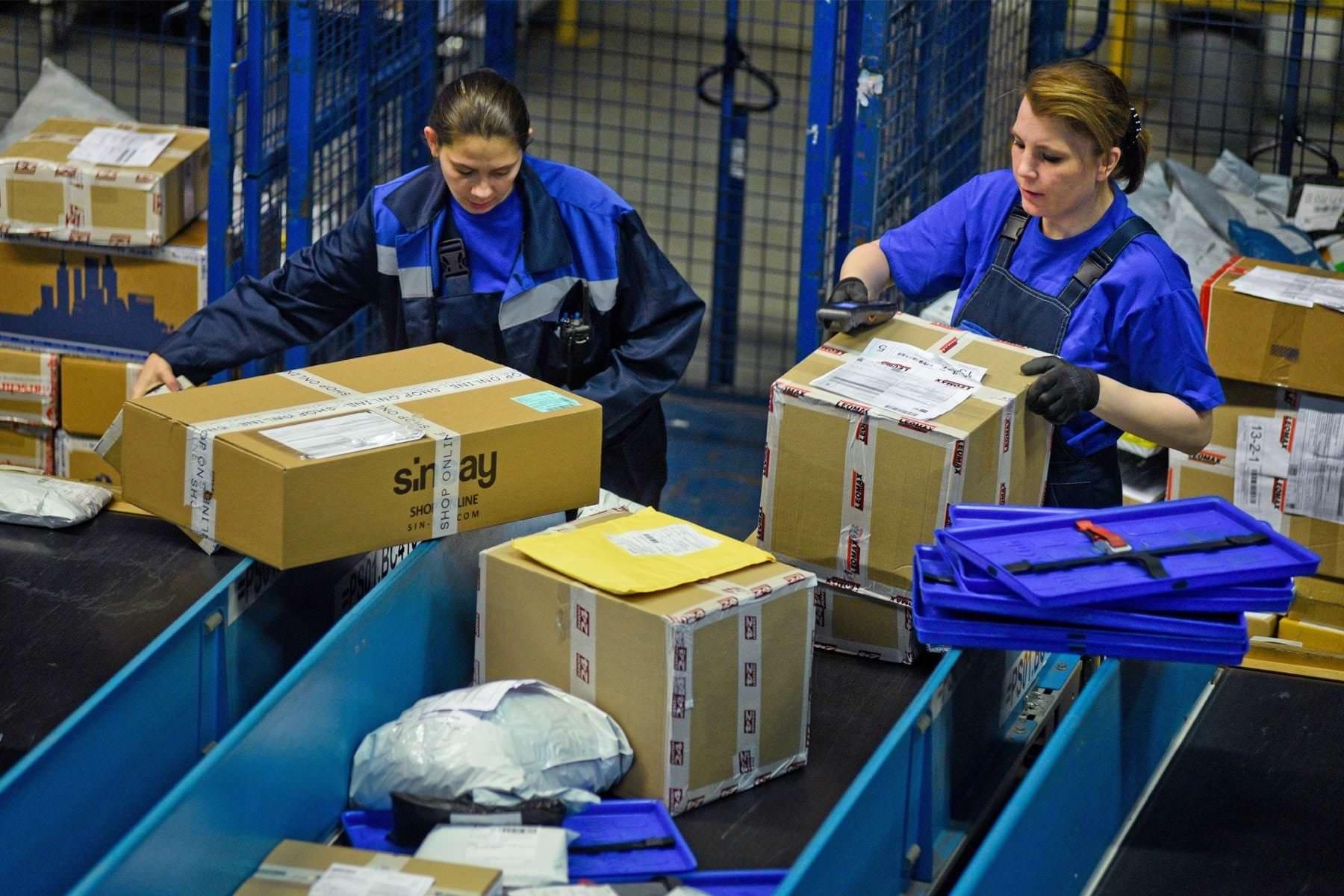 В летний период Почта России будет доставлять посылки в США прямыми авиарейсами