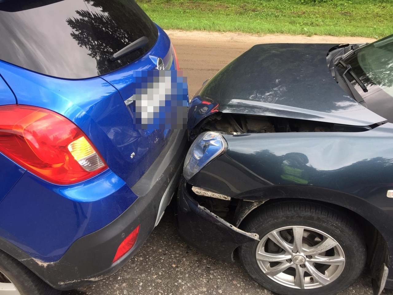 Два человека пострадали в тройном ДТП в Твери