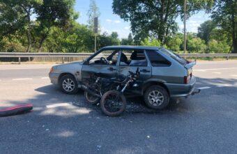 Водитель мопеда пострадал в столкновении с ВАЗом в Тверской области