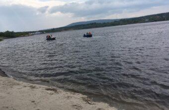 На берегу реки в Тверской области нашли тело женщины