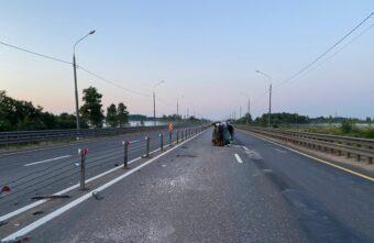 В Тверской области врезался в ограждение и опрокинулся «Хендай Солярис»