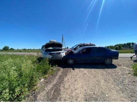 2 человека пострадали под Тверью из-за незамеченного поворотника
