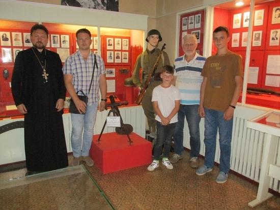 Семья из Вологды приехала в Андреаполь, чтобы пообщаться о своём родственнике