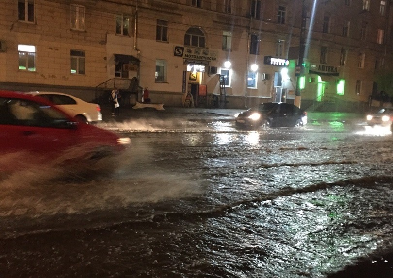 В течение месяца проблема с ливнёвкой на проспекте Победы в Твери будет решена
