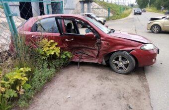 5-летняя девочка пострадала во время аварии с тремя машинами в Тверской области