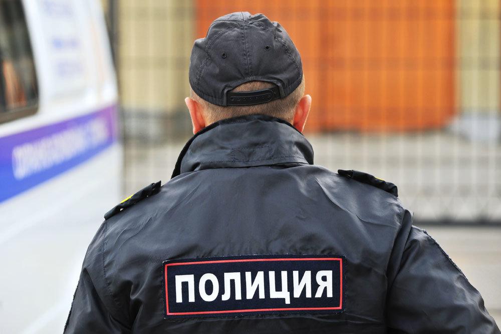 Опубликовано видео, как жительница Тверской области крадет элитный алкоголь