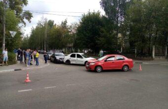 Женщина и ребёнок пострадали в тройном ДТП в Твери