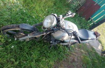 В Тверской области опрокинулся мотоцикл