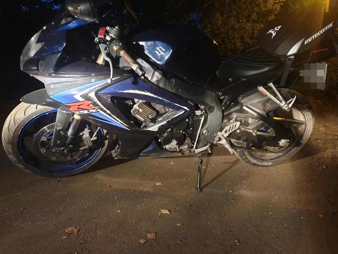 В Тверской области не справился с управлением и опрокинулся мотоциклист