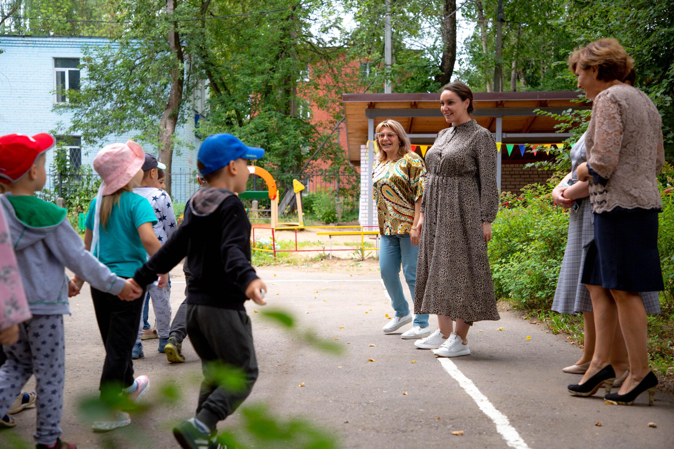 Безопасный город для детей: Юлия Саранова привлекла волонтеров к приведению в порядок детской инфраструктуры
