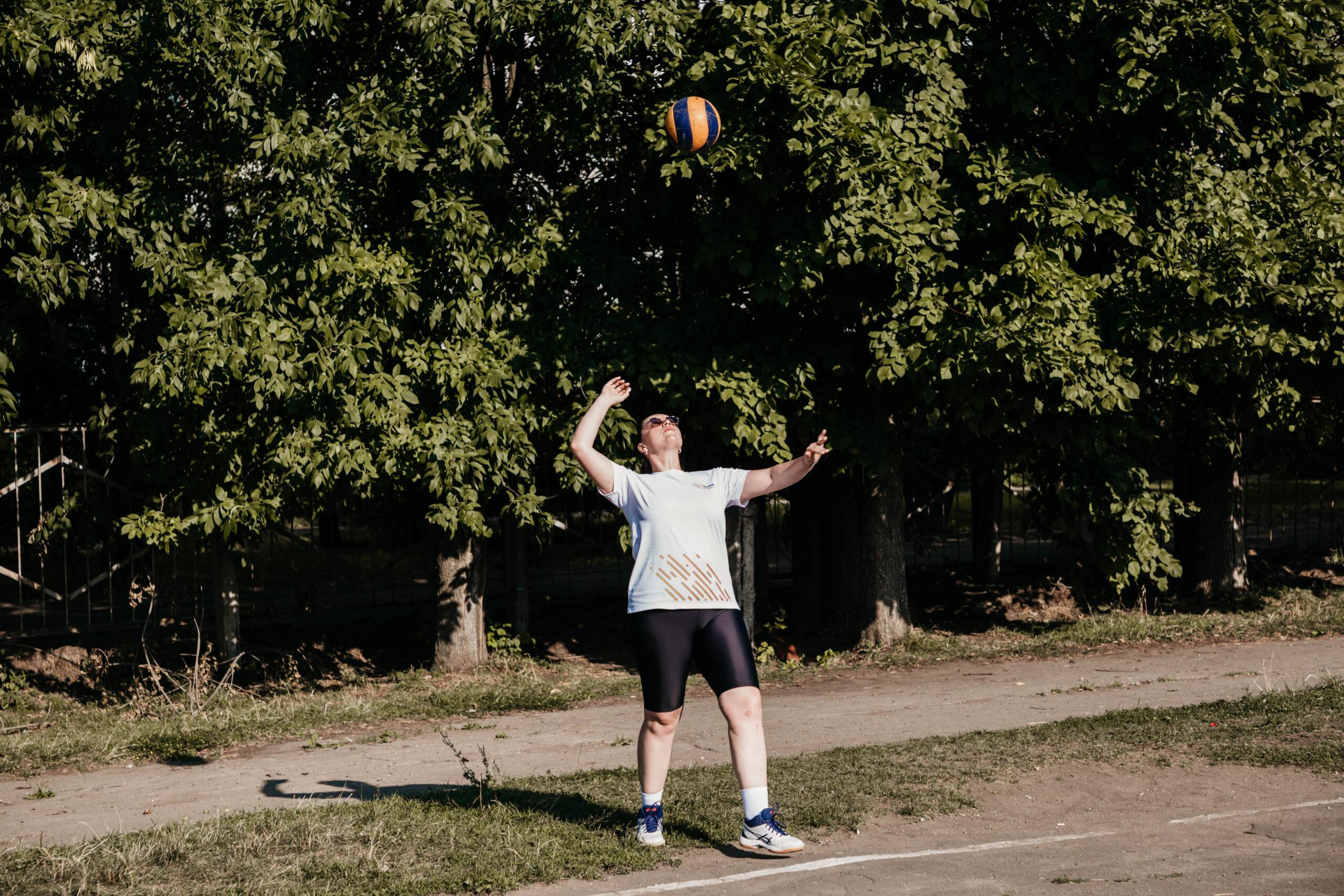 Лидер тверских волонтеров Юлия Саранова выступила в качестве «дворового тренера»