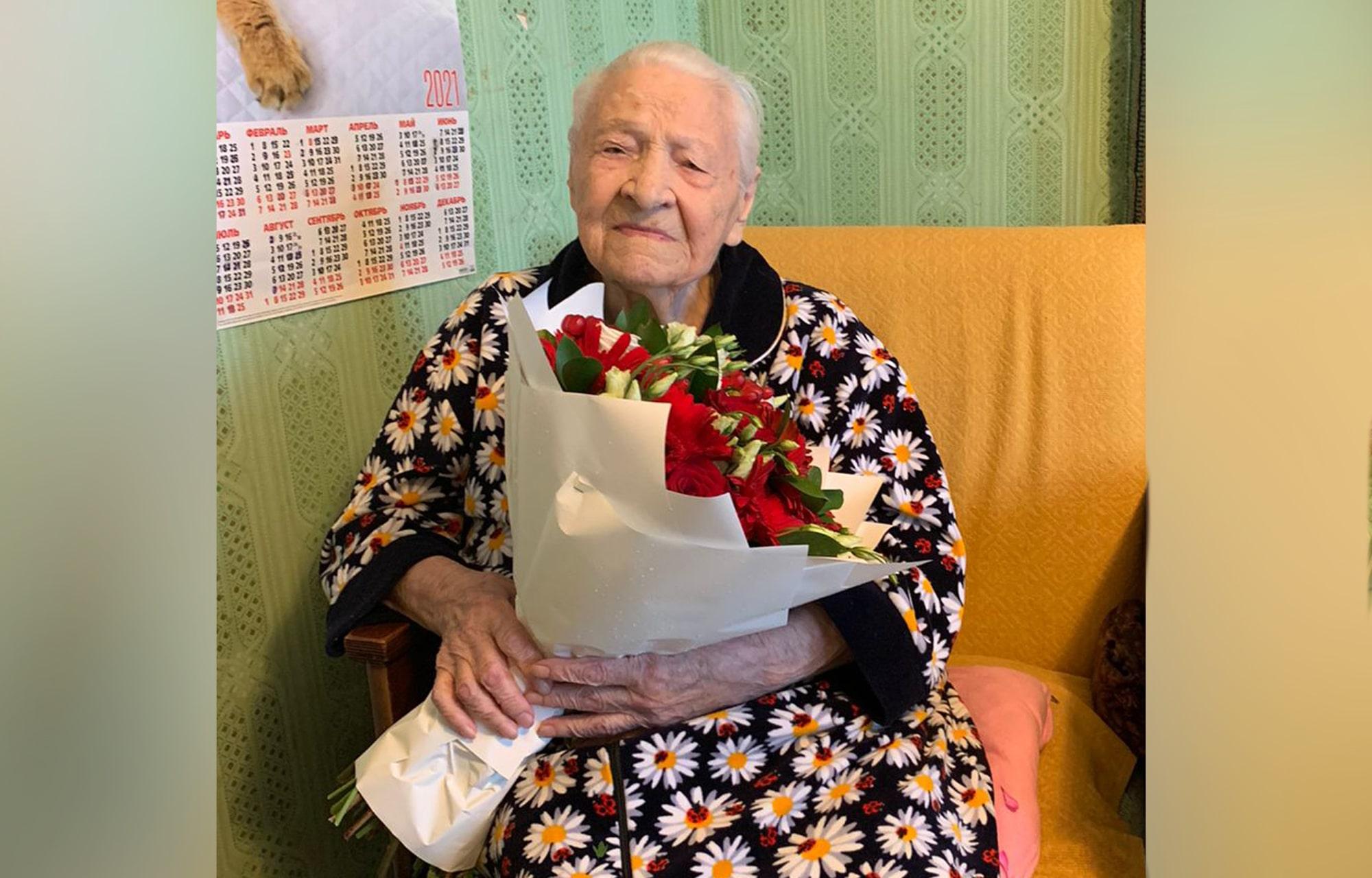 Участница Великой Отечественной войны Валентина Семёнова отмечает в Твери столетний юбилей