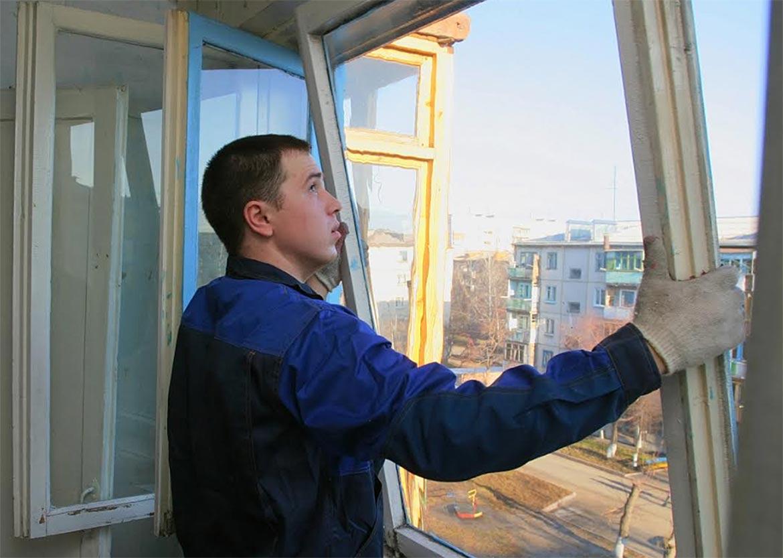 Мошенник из Тверской области оставил заказчика без денег и окон