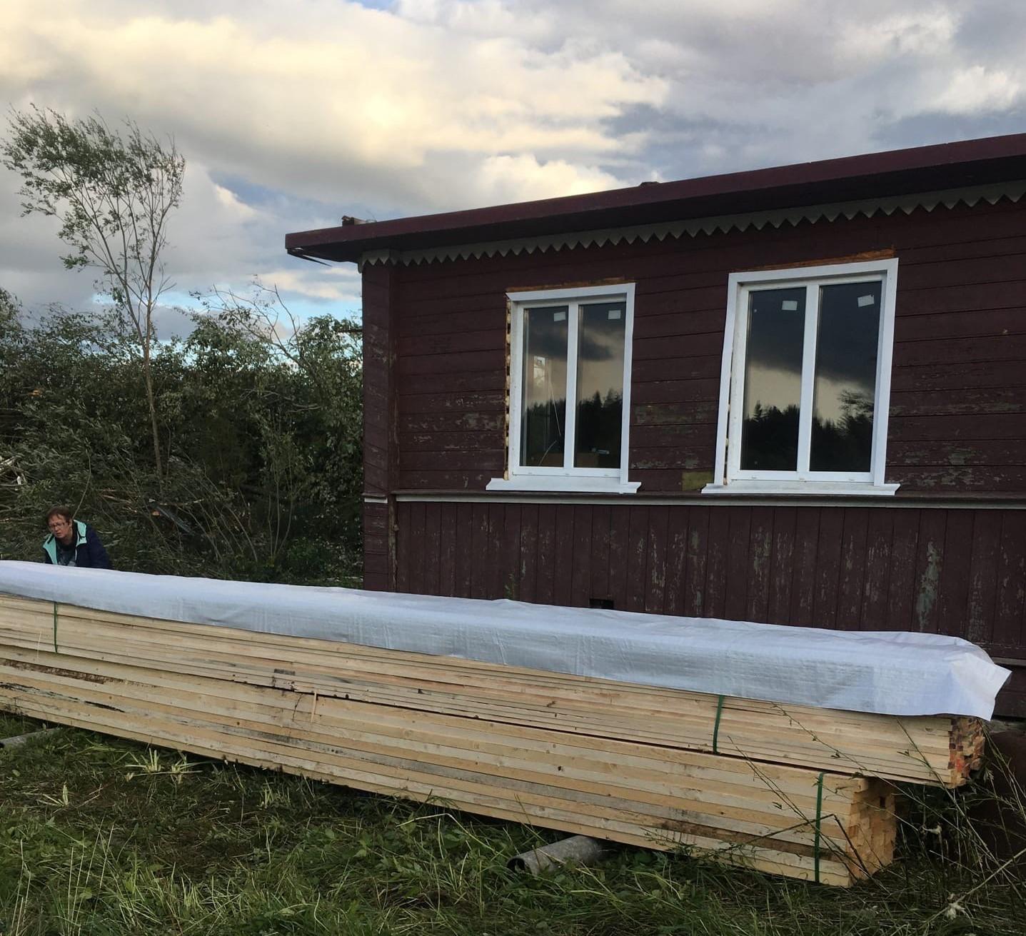 Пострадавшие во время урагана жители Тверской области благодарят всех за помощь