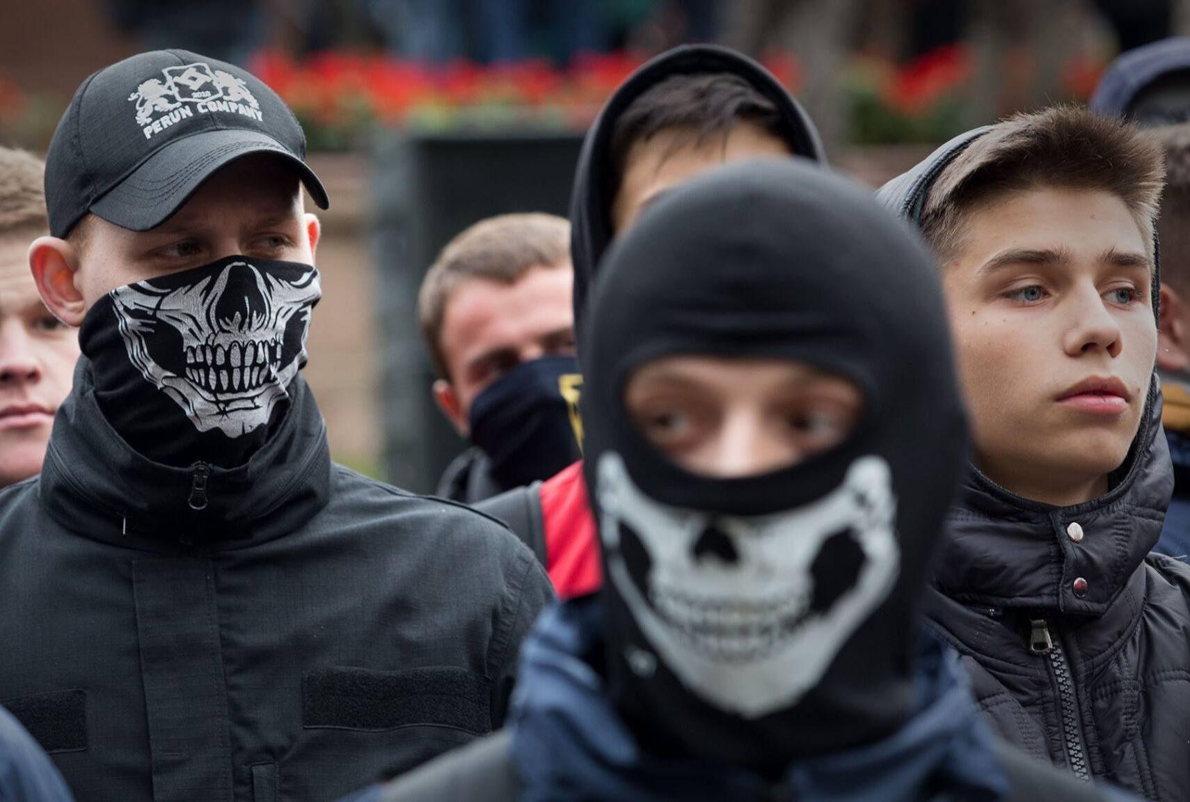 Жителям Тверской области рассказали о самых опасных экстремистах