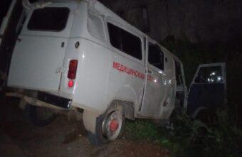 Два человека пострадали в аварии со скорой помощью в Тверской области