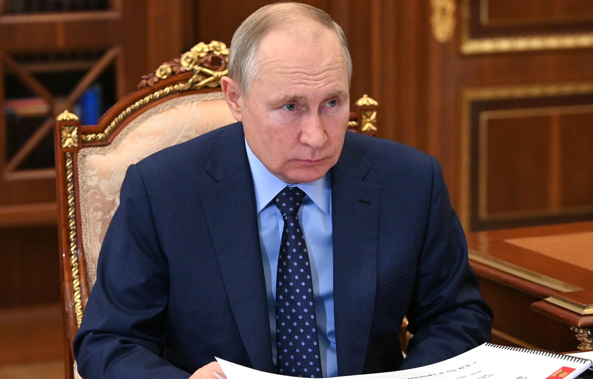 Президент России Владимир Путин провел встречу с губернатором Игорем Руденей