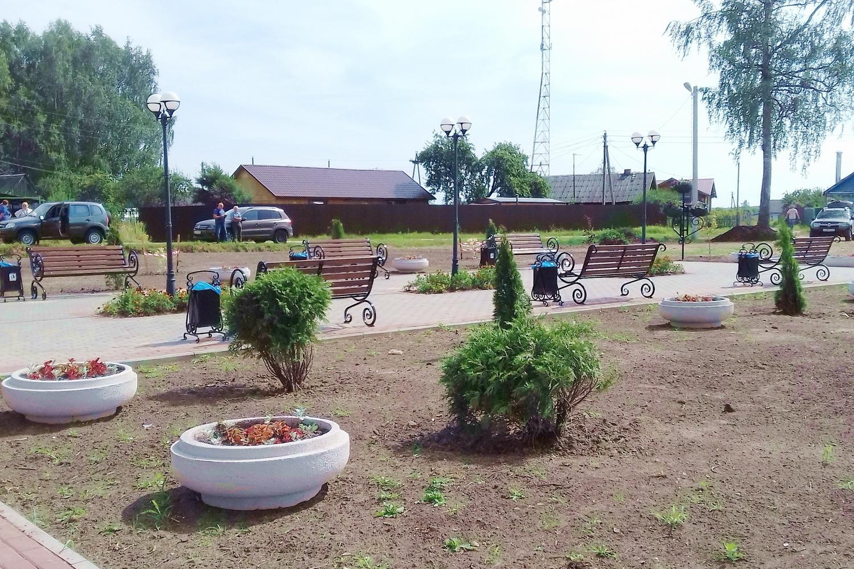 В Лихославльском районе благоустроили сквер 75-летия Победы