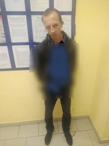 Автоугонщика из Тверской области нашли в диване