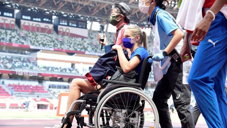 Появилось видео момента, после которого тверичанку Клишину увезли на инвалидном кресле в Токио