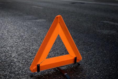 Три человека пострадали при столкновении двух машин в Тверской области