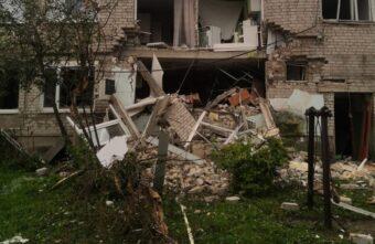 В Тверской области следователи осматривают дом, где пострадали люди